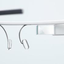 Les possesseurs de Google Glass peuvent maintenant inviter un ami