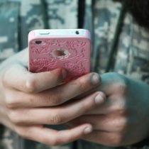 Votre iPhone sait exactement où vous êtes: comment désactiver la géolocalisation cachée