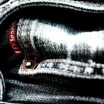 Microsoft : un jean équipé d'un chargeur de smartphone sans fil en développement